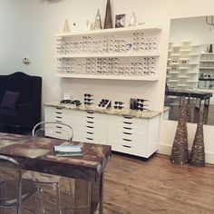 Decorations are up! All ready for our Open House this Thursday 3-8PM #winkoptique #grandopening #doorprizes #snacks