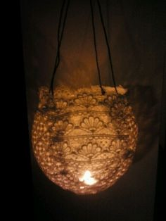 My wedding decoration! Finally! DIY lace lights with a warm 20s / gatsby feeling.