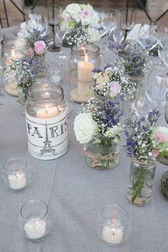 Deco mesas cristal y flores sencillas