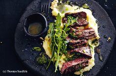 Zitronen-Rucola-Steak mit Erdäpfelpüree Steaks, Iron Pan, Tuna, Parmesan, Meat, Recipes, Food, Schnitzel Recipes, Apple