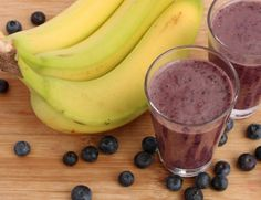 """""""Glass is Half Full"""" Detox Smoothie - - Abby's hydrating smoothie will give your body the fiber, antioxidants, and it needs t - Ultimate Smoothie Recipe, Berry Smoothie Recipe, Ginger Smoothie, Smoothie Detox, Smoothie Recipes, Diet Recipes, Healthy Recipes, Healthy Food, Healthy Protein"""