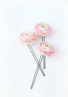 Hey, I found this really awesome Etsy listing at https://www.etsy.com/listing/198965670/free-shipping-light-pink-ranunculus-hair