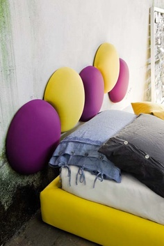 Bubble in different colours to create your headboard. Funny like the game with soap bubbles!