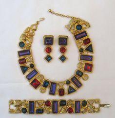 Vintage-Outrageously-Gaudy-Trifari-Demi-Parure-Set-Necklace-Bracelet-Earrings