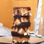 All my Brownies and Blondies Recipes in one place! From Classic Fudgy Brownies to Cookie Bars and everything in between! All the best brownies recipes ever! Best Brownie Recipe, Brownie Recipes, Chocolate Recipes, Cookie Recipes, Dessert Recipes, Chocolate Chips, White Chocolate, Caramel Recipes, Bar Recipes
