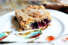 BLUEBERRY CRUMB CAKE-from PIONEER WOMAN- she has some of the easiest, simplest, yummiest recipes out there... ♥