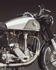 Unapproachable: The 1957 Norton International Model 30 - Classic British Motorcycles - Motorcycle Classics, Norton Motorcycle, Cafe Racer Motorcycle, Motorcycle Design, Motorcycle Style, Motorcycle Girls, British Motorcycles, Vintage Motorcycles, Classic Motors, Classic Bikes