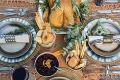 A Step-by-Step Guide to Hosting Thanksgiving