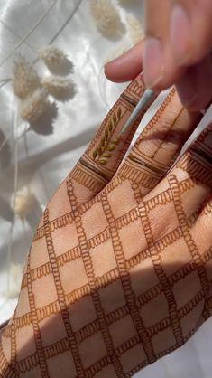 Finger Mehendi Designs, Wedding Henna Designs, Indian Henna Designs, Engagement Mehndi Designs, Floral Henna Designs, Henna Tattoo Designs Simple, Back Hand Mehndi Designs, Full Hand Mehndi Designs, Stylish Mehndi Designs
