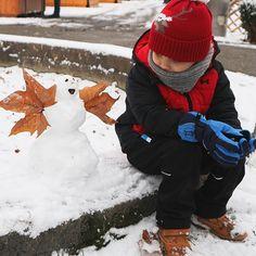 So schnell kanns schon wieder vorbei sein mit dem Schnee  Und was ünrig bleibt ist eine matschige Wasserpampe  Gut dass wir gleich raus sind so kann ich den Feed noch mit zwei drei Schneefotos verzaubern  Einen guten Start in die neue Woche wünsch ich euch Snowman, Instagram, Boots, Outdoor Decor, New Week, Water, Crotch Boots, Shoe Boot, Snowmen