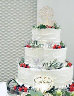 エステルフラワーデザインスタジオ「お花が好き」のその先へ/ウェディングケーキのデコレーションはほんとにHappy! Wedding Cakes, Happy, Desserts, Food, Wedding Gown Cakes, Tailgate Desserts, Deserts, Essen, Cake Wedding