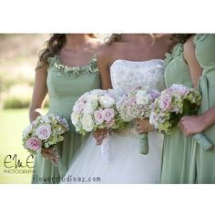 Bridesmaids bouquets by The Flower Studio www.flowerstudioaz.com #flowerstudioaz #bridesmaid #wedding #bouquet Photo Credit EME Photography #InAweWeddings