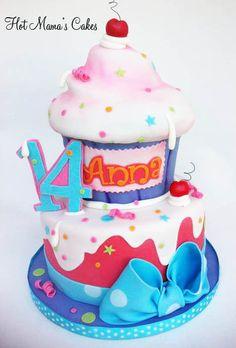 Anna's Giant Cupcake! - by hotmamascakes @ CakesDecor.com - cake decorating website
