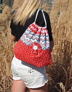 Katie's Draw-String Bag Pattern by Amelie Scott Designss Sewing Crafts, Sewing Projects, Sewing Ideas, Drawstring Bag Pattern, My Sewing Room, Book Quilt, How To Purl Knit, Yarn Shop, Amelie