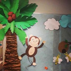 Imagem - Educação Infantil - Aluno On Jungle Decorations, School Decorations, Palm Tree Decorations, Jungle Theme Classroom, Classroom Themes, Jungle Bulletin Boards, Diy Arts And Crafts, Crafts For Kids, Paper Crafts