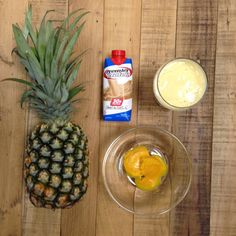 Pineapple Orange Smoothie Recipe: 1 Premier Protein vanilla shake 1 Cup frozen pineapples Spoonfuls of orange concentrate Blend until smooth and enjoy! Protein Smoothie Recipes, Protein Snacks, Smoothie Drinks, Healthy Smoothies, High Protein, Lunch Smoothie, Tequila, Premier Protein Shakes, Paleo