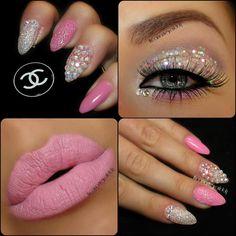 ♥ I really don't like these kinda of sharp nails but I like the design