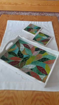Stained Glass Mirror, Stained Glass Crafts, Mosaic Crafts, Mosaic Projects, Mosaic Tray, Mosaic Glass, Mosaic Tiles, Mosaic Designs, Mosaic Patterns