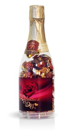 Valentýn - láhev s plněnými čokoládovými pralinkami Bottle, Home Decor, Decoration Home, Room Decor, Flask, Home Interior Design, Jars, Home Decoration, Interior Design