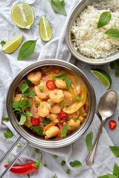 Prawns in an easy Thai coconut sauce - shrimp and peppers in a creamy, flavourful Thai-style coconut sauce. Prawn Recipes, Thai Recipes, Lunch Recipes, Seafood Recipes, Asian Recipes, Appetizer Recipes, Dinner Recipes, Healthy Recipes, Coconut Prawns