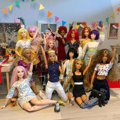Barbies Pics, Barbies Dolls, Cool Fire, Diy Barbie Clothes, Barbie Family, Beautiful Barbie Dolls, How To Show Love, Barbie World, Pink Fashion
