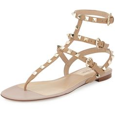 Valentino Rockstud Flat Gladiator Sandal (£730) ❤ liked on Polyvore featuring shoes, sandals, sapatos, flats, alpaca, leather shoes, gladiator sandals shoes, stacked heel sandals, gladiator flats sandals and valentino flats