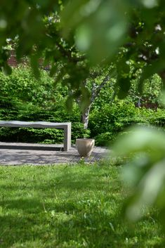 takapihan terassi  Yksityispihat | Viherteema Private Garden, Outdoor Furniture, Outdoor Decor, Park, Plants, Gardens, Instagram, Home Decor, Decoration Home