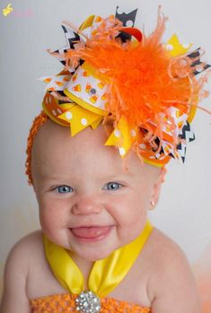 Our Fall Orange and Yellow Candy Corn Hair Bow or Halloween Baby Headband comes attached to your choice of an alligator clip, French barrette, or as a bow an. Halloween Headband, Baby Halloween, Halloween Candy, Black Hair Bows, Diy Hair Bows, Diy Headband, Baby Headbands, Boutique Hair Bows, Girls Bows