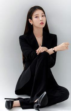 Iu Fashion, Korean Fashion, Fashion Outfits, Korean Beauty, Asian Beauty, Korean Girl, Asian Girl, Mode Ulzzang, Korean Actresses