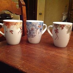 Dish Sets, China Painting, Mug Designs, Tea Time, Tea Pots, Decoupage, Candle Holders, Pottery, Mugs