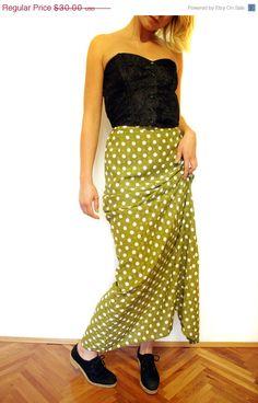 Vintage skirt / green and white polka dot maxi