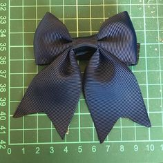 Working on new products every day. Today its this wonderful little bow, listing is up in the shop