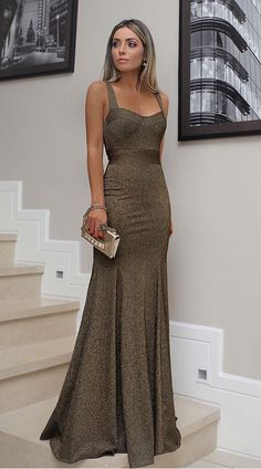 Vestido lurex longo Gala Dresses, Event Dresses, Formal Dresses, Dinner Gowns, Evening Gowns, Stunning Dresses, Pretty Dresses, Looks Party, Ball Gowns
