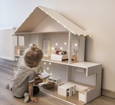 Drewniany domek dla lalek + oświetlenie + MEBELKI – 7088148612 – oficjalne archiwum Allegro Information about Wooden dollhouse + lighting + FURNITURE – 7088148612 in the Allegro archive. End date – price 899 PLN Modern Dollhouse Furniture, Diy Barbie Furniture, Diy Furniture, Ikea Dollhouse, Wooden Dollhouse, Homemade Dollhouse, Mini Doll House, Barbie Doll House, Ikea Ivar Regal