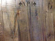 A P I - Antichi Pavimenti Italiani - in Milano dal 1978  Italian old floors  Solo Legno Antico - Only Old Wood - Nella Foto Parquet a Listoni in legno di recupero - www.antichipavimentiitaliani.it  Copyright © Carlo Apollo