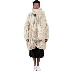 Ioana Ciolacu featuring ready to wear collections for women. Thick Sweaters, Red Pattern, Knits, Originals, Ready To Wear, Fur Coat, Fall Winter, Knitting, Jackets
