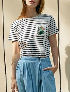 SHARE & Get it FREE | Striped Pocket Round Neck Short Sleeve T-ShirtFor Fashion Lovers only:80,000+ Items • New Arrivals Daily Join Zaful: Get YOUR $50 NOW!