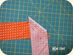 In uno degli ultimi post  vi avevo promesso il tutorial per realizzare da voi lo sbieco per bordare asciugamani, bavaglini o...tutto quello...