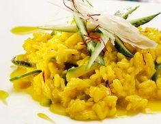 Safran-Risotto mit Zucchini Risotto, Broccoli, Spinach, Pasta Recipes, Chicken Recipes, Parmesan, Zucchini, Buckwheat, Cauliflower