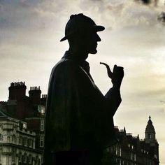 Sherlock Holmes. Bronze statue on Baker Street. London