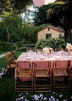 Soiree Saturday: Enjoy an outdoor soiree with touches of pink to enhance the colors of late spring!