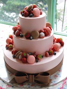26 パティシエ本澤 聡 a tale of cake26「デコレーション素材」(前半)丸い形とカラーリングがかわいい「マカロン」 http://www.anniversary-web.co.jp/