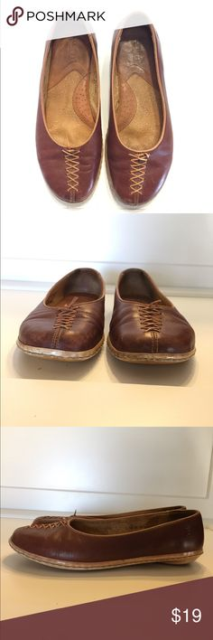 """Born sz 7 Brown Leather laced flats Born brown leather flats black with a lace up detail.  Leather has scuffs/scrapes/scratches and laces have been shortened. Insoles have some soiling but these have lots of life left.  Size 7M.  Approximate measurements are 3/4""""Heel, 9"""" insole Born Shoes Flats & Loafers"""