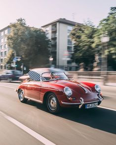 "Type 7 sur Instagram : ""From the first money I earned in snowboarding, I bought my first old Porsche,"" continues Christophe Schmidt: ""A '71 2.2 911S Targa in…"