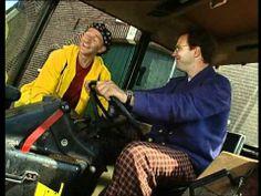*▶ Ernst Bobbie en de rest- Op de boederij - De kapotte tractor (NL)