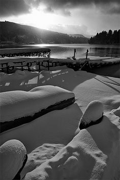 Lake Nojiriko, Japan. February 15, 2011. (Photo by Bernard Languillier  http://www.flickr.com/photos/bernardlanguillier/5446682404/in/photostream)