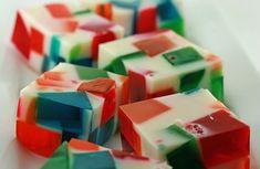 Gelatina de mosaico con leche condensada