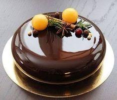 37 ideas cake chocolate glaze for 2019 Pear And Almond Cake, Almond Cakes, Mini Cakes, Cupcake Cakes, Chocolate Cupcakes Decoration, Cake Recipes, Dessert Recipes, Decoration Patisserie, Fancy Desserts