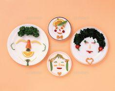 お皿の顔 ファミリー (c)R.CREATION/orion