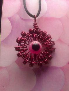 Amuleto rojo